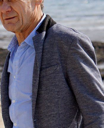 what should a 60 year old man wear casual dressing for the man over 60