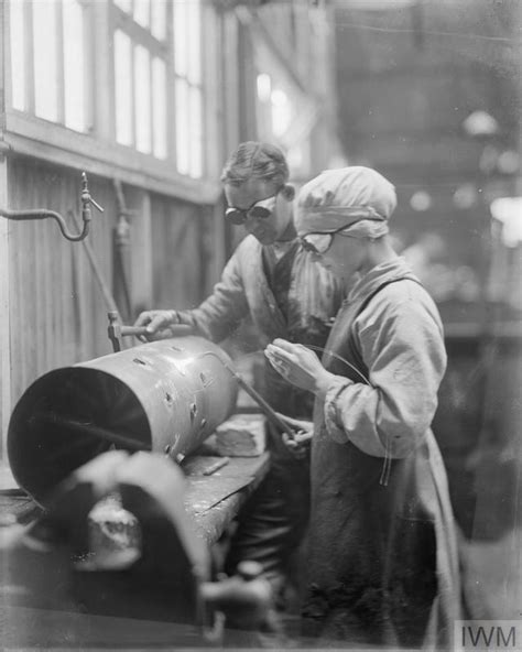 lade acetilene olive edis iwm photographer of the s services in