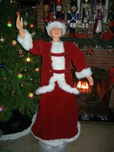 3 ft animatedmrsclaus animated size 5 foot mrs santa claus in velvet sings dances ebay