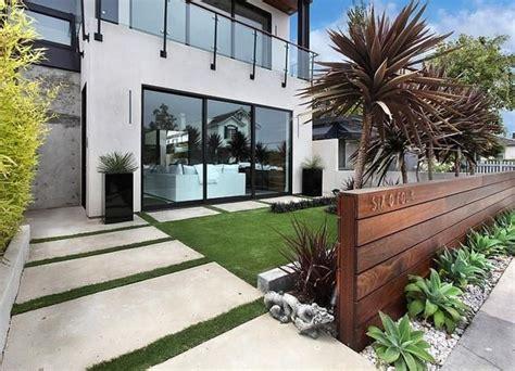 Best 25 modern front yard ideas on pinterest modern