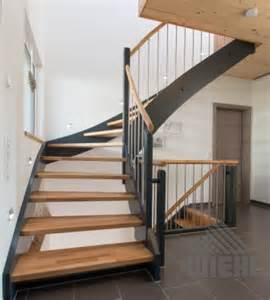 treppe farbig lackieren wiehl treppen eingestemmte treppen