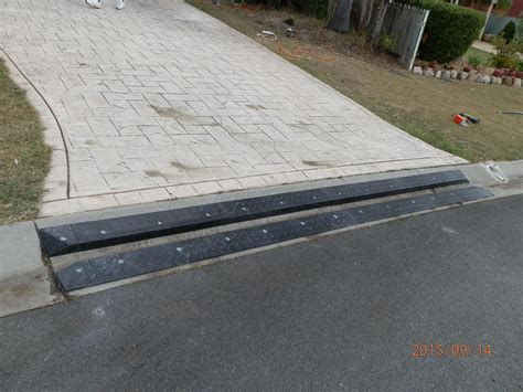 car bottoming   heavy duty rubber driveway ramps
