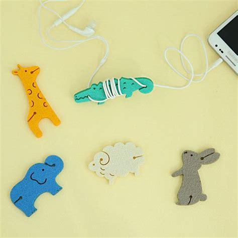 Oval Tas Rotan Leather Clip animals felt earphone holder choose one animal dway