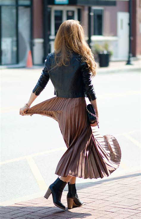 metallic pleated skirt jimmy choos tennis shoes