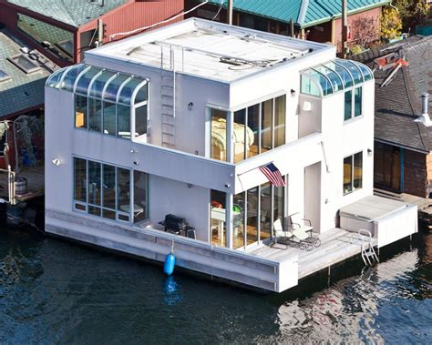 small house boat tour a small houseboat in seattle hgtv