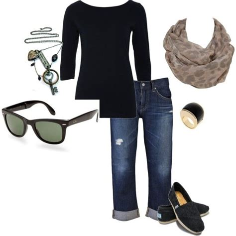 comfortable outfits for flying 17 best ideas about airplane outfits on pinterest comfy