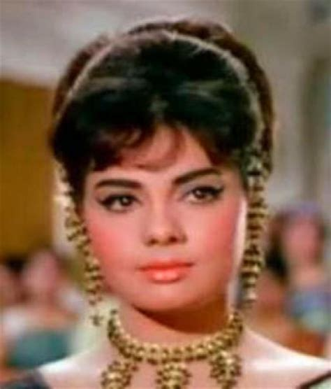 hindi film heroine ke naam aur photo mumtaz even though i have family and friends i am lonely