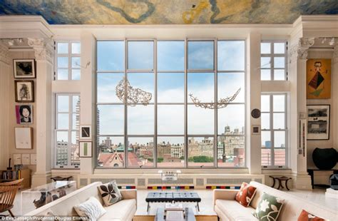 Nyc Appartment by Beautiful 20million New York Apartment Boasts 24ft High Ceilings And Corinthian Columns Daily