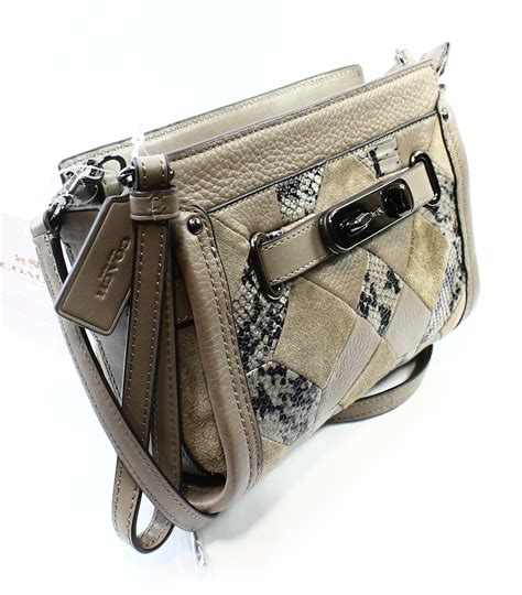 Coach Swagger Wrislet Crossbody Selempang Original Ori coach new gray swagger leather wristlet patchwork crossbody bag purse 350 025 ebay