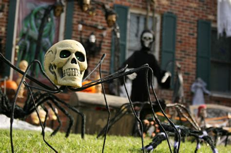 scary halloween decorations to make at home how to create a haunted house at home