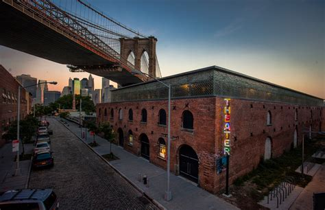 Shed Roof Home Plans st ann s warehouse opens a theatre under brooklyn bridge