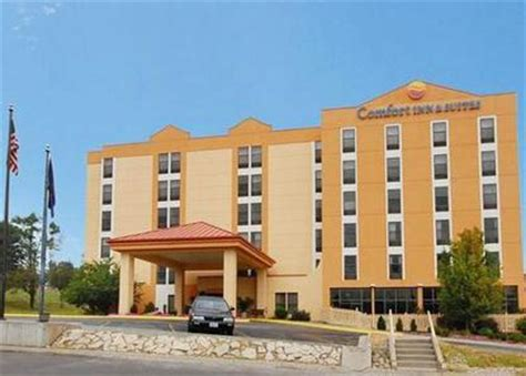 comfort inn and suites omaha nebraska comfort inn omaha omaha deals see hotel photos