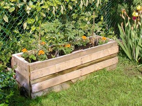 how to build a container garden box 3 free container garden plans using reclaimed pallets