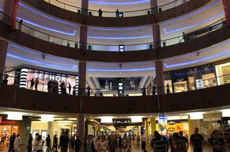 Dubai Mall Shops Hours And Contact Information Dubai Mall United Arab Emirates Hours Address Tickets