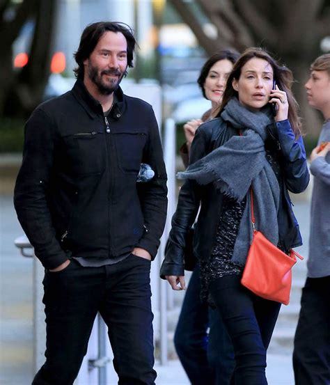 keanu reeves relationships smiling keanu reeves at the who concert in la with