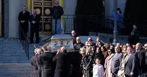 big ang raiola s funeral photos mourners pay their