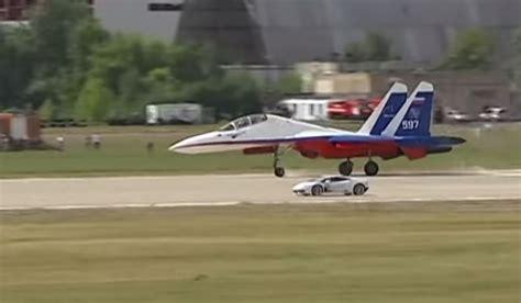 Lamborghini Vs Jet Lamborghini Huracan Vs Russian Sukhoi Su 27 Fighter Jet