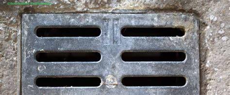 Pvc Boden Stinkt teppich geruch entfernen erbrochenes steinbden pvc