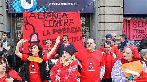 oficina de endesa barcelona ocupan una oficina de endesa de barcelona contra los