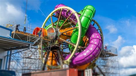 Whell Voller 6 Germani Technologi Production this water slide ferris wheel might be the come true for every adrenaline driven person