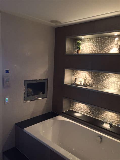 ingebouwde radio badkamer badkamer nissen verlicht bad met ingebouwde tv en af