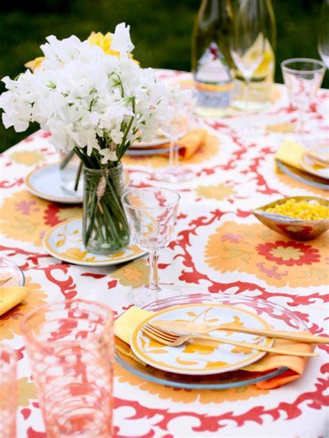 Stylish Entertaining by 3 Stylish Summer Table Setting Ideas Hgtv