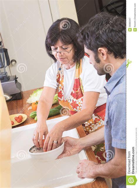 scopate in cucina donna matura scopata in cucina