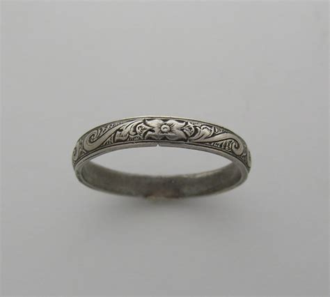 antique vintage deco style engraved wedding ring band