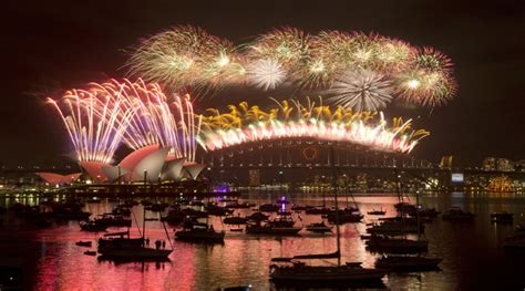 new year 2015 sydney australia ushers in new year 2015 with spectacular sydney