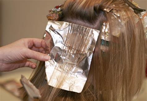 where to place your foils in hair how to put highlights in hair hairs picture gallery