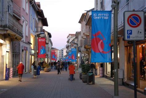 di commercio settimo torinese il centro commerciale naturale in via italia a settimo