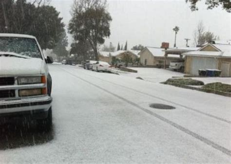 Metro Snow White Soft 60g snow in los angeles burbank universal city see flurries