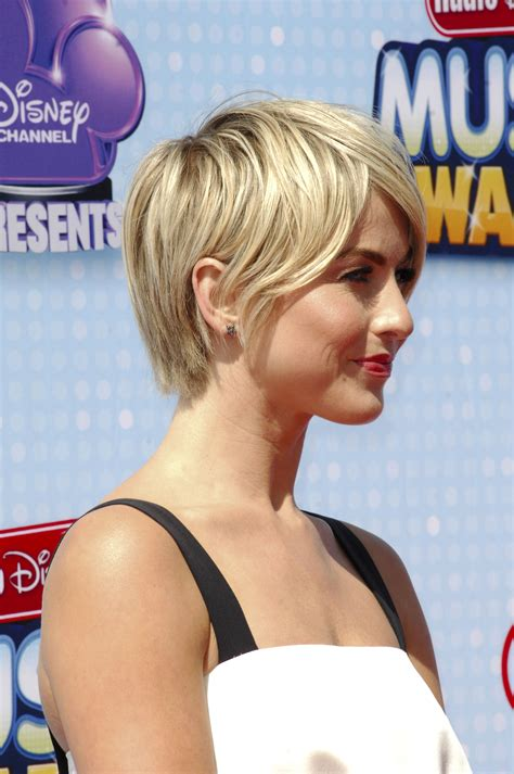 short haircuts to make hair look thicker 14 hairstyles guaranteed to give you thick voluminous