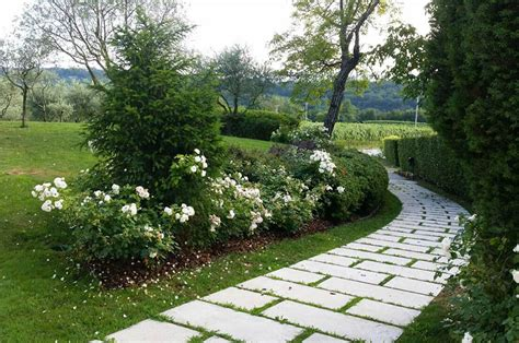 viali e giardini pavimentazione vialetto in giardino impresa ongaro corrado