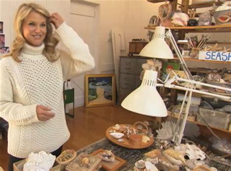 christie brinkleys home   hamptons shell art