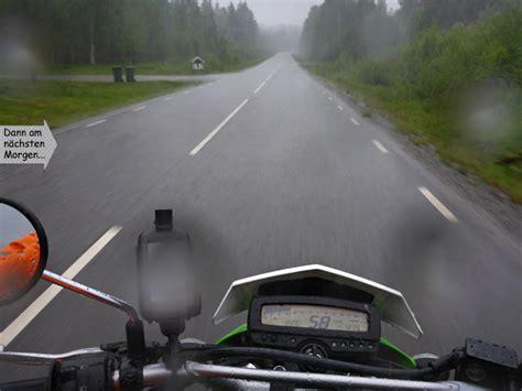 Motorrad Fahren Bei Regen by Endurowandern Schweden