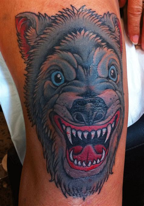 mark lonsdale tattoo bondi sydney knee cap cute wolf1