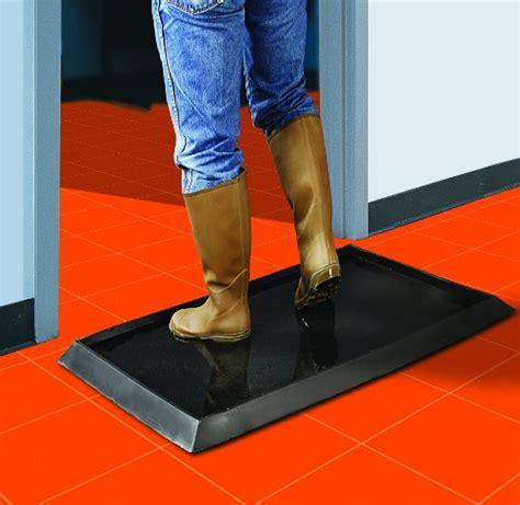 "Wearwell 222 12X24X32BK Sanitizing Floor Mat, 24"" x 32"