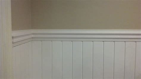 need help with coloring for wainscoting no light colors