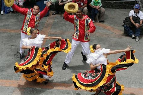 what clothes do venezuelans wear on christmas traditional dress of not complicated but decorated traditional and in