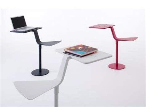 table basse ordinateur les 25 meilleures id 233 es concernant table d ordinateur portable sur bureau d
