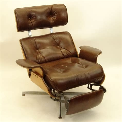 eames style recliner mid century modern plycraft eames style recliner with