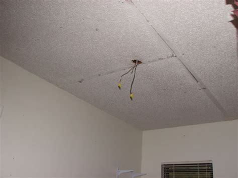 Re Drywall Ceiling by Repair A Detached Drywall Ceiling By Ruby Bayan