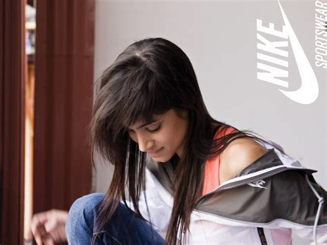 sporty girl wallpaper sporty girl in nike wallpapers and images wallpapers