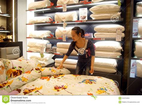 shopping for sheets buy bedding in shopping malls in china editorial stock