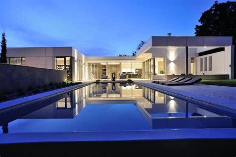 Duplex Plan by Villa En U Avec Piscine