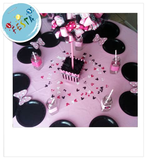 tavola decorata tavola decorata per festa pink minnie idea decorativa per