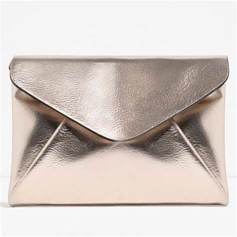 Geri Halliwells Gold Clutch Style At The Greatest Britons 2007 Awards Carpet by 9 Best Envelope Clutches In 2018 Stylish Envelope Clutch