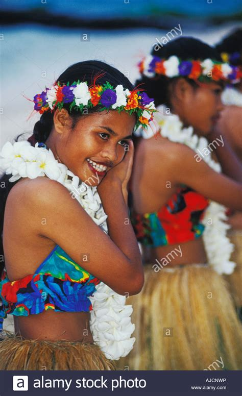 micronesian women pictures to pin on pinterest thepinsta