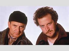 This Is What Harry And Marv From 'Home Alone' Look Like ... Kevin Allein Zu Haus